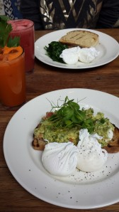 Dill Avocado Poached Eggs